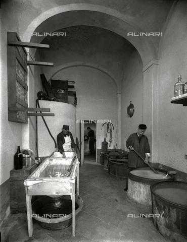 APA-S-011953-0004 - Scorcio del laboratorio dello stabilimento fotografico Fratelli Alinari di Firenze - Data dello scatto: 1899 - Archivi Alinari, Firenze