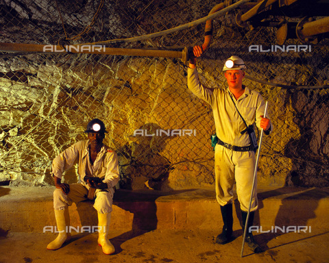 APN-F-014661-0000 - South Africa  Western Areas  1995: Ventilation recorders on the Western Areas Gold Mine. Mining  industry  portrait  environmentPhotograph: Graeme Williams/South - South Photographs / Africamediaonline/Alinari Archives, Florence