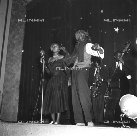 APN-F-036469-0000 - SAED: MUSIC: PERSONALITY: 1954 - Dolly Rathebe - (Photo by Drum photographer Baileys Archive) - Baileys African History Archive / Africamediaonline/Alinari Archives, Florence