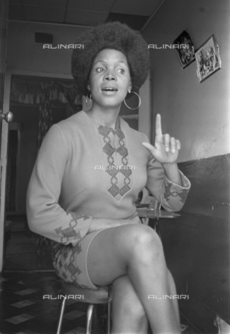 APN-F-036591-0000 - GCP: MUSIC: PERSONALITY: 22OCT1969 - Abigail Kubeka - (Photograph by Len Kumalo Baileys Archive) - Baileys African History Archive / Africamediaonline/Alinari Archives, Florence