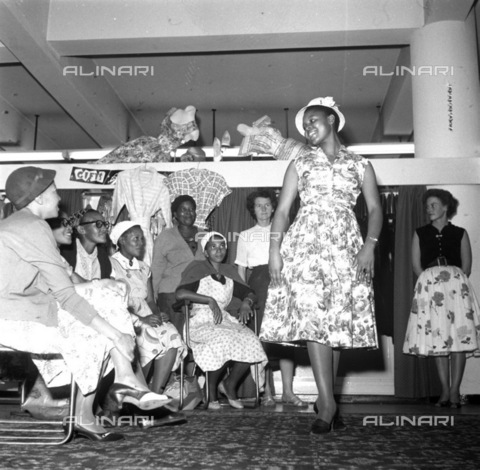 APN-F-116334-0000 - 25JUL1965 - Star ill After Court Ordeal - Abegail Kubheka - Lovely ex-King Kong star, Abegail Kubheka, was admitted to Bloemfontein hospital this week suffering from chest pains, after travelling from Johannesburg to the pretaratory examination in which h - Africamediaonline/Archivi Alinari, Firenze, Baileys African History Archive