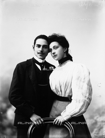 ARA-F-02315M-0000 - Portrait of married couple Cambi