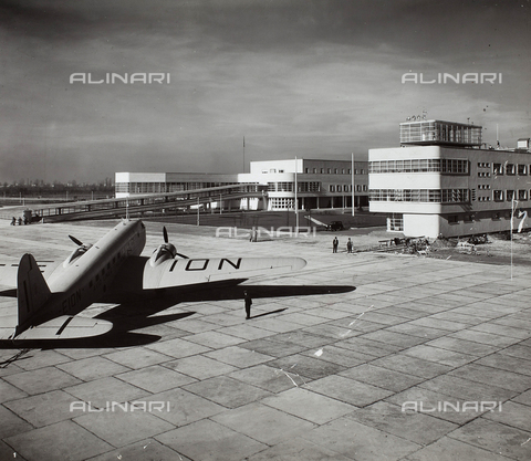 AVA-F-000481-0000 - View of the runway to Linate Airport, Milan