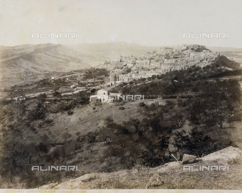 AVQ-A-000003-0012 - Panoramic view of Agrigento, as seen from Rupa Atenea. - Data dello scatto: 1870 - 1880 - Reteuna Collection / Archivi Alinari, Firenze