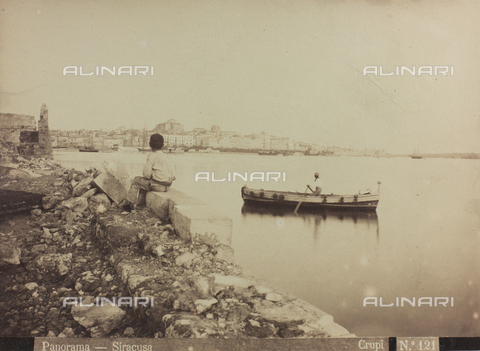 AVQ-A-000003-0020 - Veduta di Siracusa - Data dello scatto: 1880-1890 - Archivi Alinari, Firenze