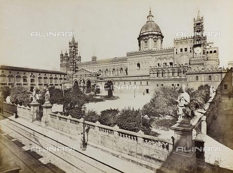 AVQ-A-000013-0043 - Veduta della Cattedrale di Palermo - Data dello scatto: 1860-1870 - Raccolte Museali Fratelli Alinari (RMFA), Firenze