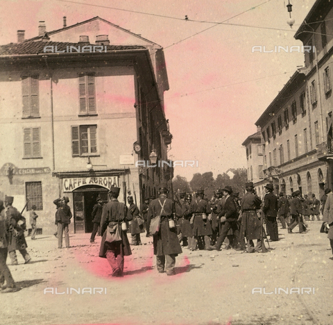AVQ-A-000024-0019 - The Milan Riots of 6-9 May 1898: military of General Bava Beccaris' army, on Corso Garibaldi. - Data dello scatto: 06-09/05/1898 - Archivi Alinari, Firenze