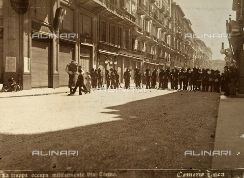 AVQ-A-000024-0023 - The Milan Riots of 6-9 May 1898: Via Torino occupied by military of General Bava Beccaris' army. - Data dello scatto: 06-09/05/1898 - Archivi Alinari, Firenze