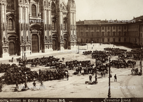 AVQ-A-000024-0036 - The Milan Riots of 6-8 May 1898: Piazza del Duomo with army headquarters - Data dello scatto: 06-09/05/1898 - Archivi Alinari, Firenze