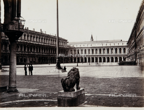 AVQ-A-000039-0005 - View of Piazza San Marco in Venice - Data dello scatto: 1870 ca. - Archivi Alinari, Firenze