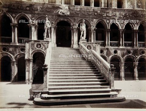 AVQ-A-000039-0008 - Scala dei Giganti in the courtyard of the Palazzo Ducale in Venice - Data dello scatto: 1870 ca. - Archivi Alinari, Firenze