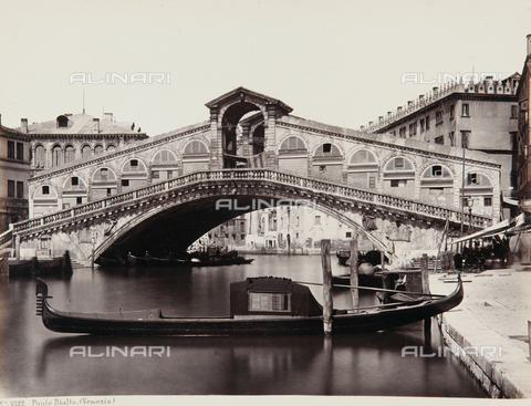 AVQ-A-000039-0010 - The Rialto Bridge in Venice - Data dello scatto: 1870 ca. - Archivi Alinari, Firenze