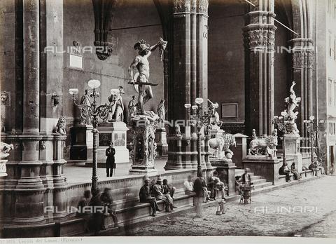AVQ-A-000039-0035 - The Loggia dei Lanzi in Florence - Data dello scatto: 1870 ca. - Archivi Alinari, Firenze
