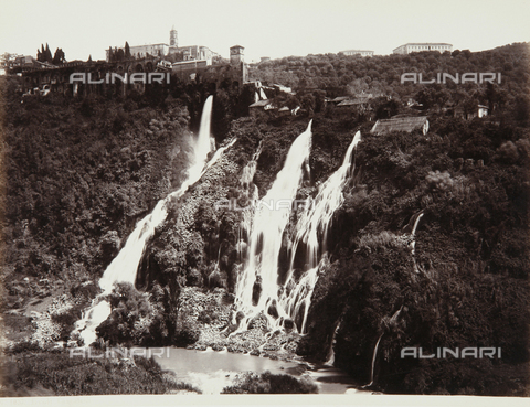 AVQ-A-000039-0063 - View of Tivoli with the enchanting cascades - Data dello scatto: 1870 ca. - Archivi Alinari, Firenze