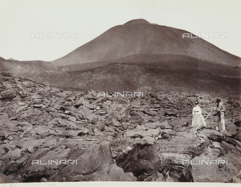 AVQ-A-000039-0089 - Walk on the lava of Vesuvius - Data dello scatto: 1870 ca. - Archivi Alinari, Firenze