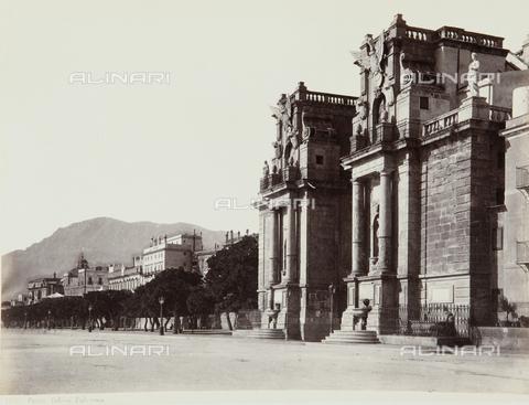 AVQ-A-000039-0118 - Porta Felice, Palermo - Data dello scatto: 1870 ca. - Archivi Alinari, Firenze