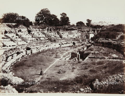 AVQ-A-000039-0127 - The Roman amphitheater in Syracuse - Data dello scatto: 1870 ca. - Archivi Alinari, Firenze