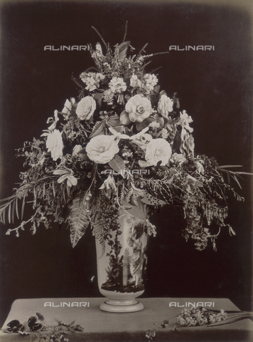 AVQ-A-000071-0106 - Souvenir of Florence. Bouquet floreale - Data dello scatto: 1880 ca. - Archivi Alinari, Firenze