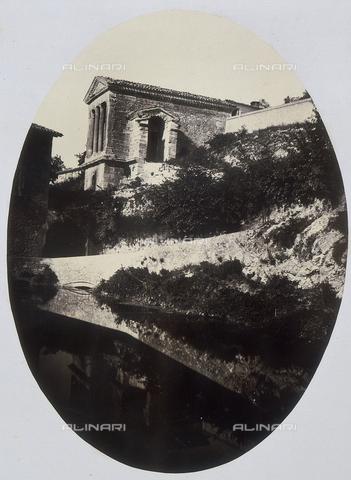 AVQ-A-000073-0032 - Dintorni di Spoleto: Tempio di Clitumno - Data dello scatto: 1862 - Raccolte Museali Fratelli Alinari (RMFA), Firenze