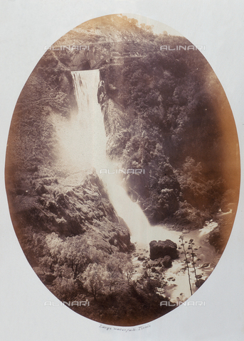 AVQ-A-000089-0021 - Photographic pictures of Rome: veduta della Grande cascata a Tivoli - Data dello scatto: 1862 - Raccolte Museali Fratelli Alinari (RMFA), Firenze