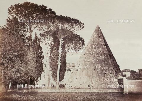 AVQ-A-000089-0024 - Photographic pictures of Rome: veduta della Piramide di Caio Cestio - Data dello scatto: 1862 - Raccolte Museali Fratelli Alinari (RMFA), Firenze