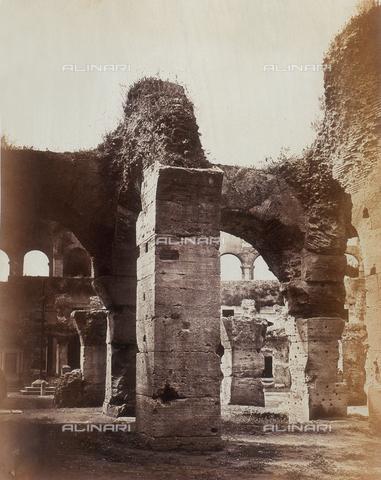 AVQ-A-000089-0031 - Photographic pictures of Rome: archi del Colosseo - Data dello scatto: 1862 - Raccolte Museali Fratelli Alinari (RMFA), Firenze