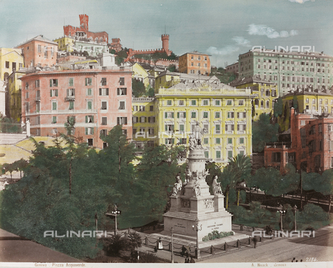 AVQ-A-000110-0070 - Piazza Acquaverde in Genoa, with the Monument to Cristopher Columbus - Data dello scatto: 1880-1890 - Archivi Alinari, Firenze