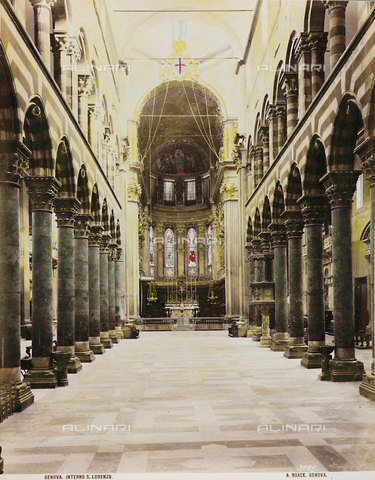 AVQ-A-000110-0073 - Inner view of the Cathedral, Genoa - Data dello scatto: 1880-1890 - Archivi Alinari, Firenze