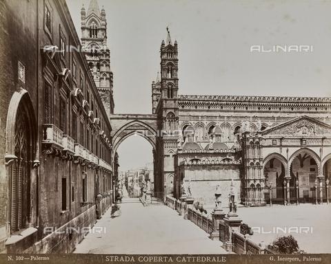 AVQ-A-000136-0008 - Veduta laterale del Duomo di Palermo - Data dello scatto: 1880-1890 ca. - Raccolte Museali Fratelli Alinari (RMFA), Firenze