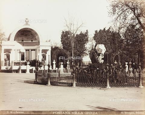 AVQ-A-000136-0009 - La fontana nel parco di Villa Giulia a Palermo - Data dello scatto: 1880-1890 ca. - Raccolte Museali Fratelli Alinari (RMFA), Firenze
