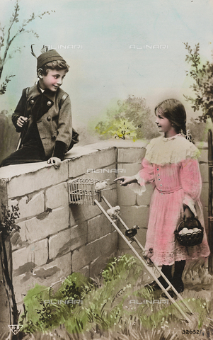 "AVQ-A-000140-0110 - Postcard, portrait of a couple of children in a garden with birds, ""Album para Tarjetas postales"""