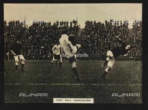 AVQ-A-000146-0101 - Players during a football match