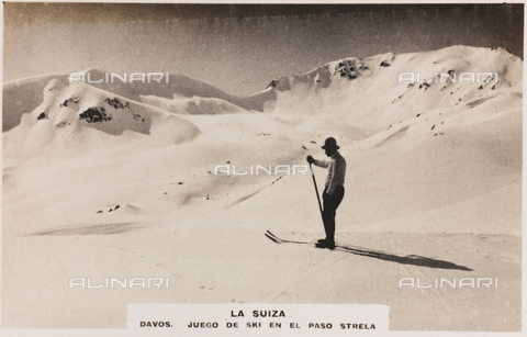 AVQ-A-000148-0275 - Skier at The Strela Pass, Davos