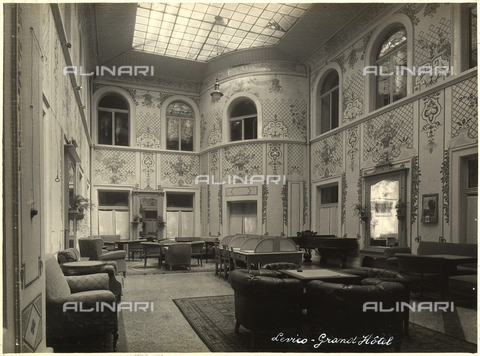 AVQ-A-000218-0017 - A salon of the Grand Hotel in Levico Terme. - Data dello scatto: 1929 ca. - Archivi Alinari, Firenze