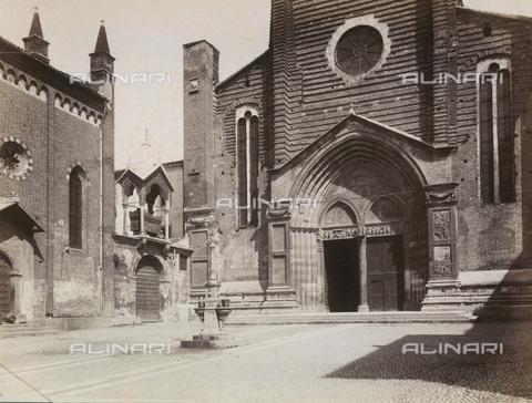 AVQ-A-000225-0052 - Facciata della chiesa di Sant'Anastasia a Verona - Data dello scatto: 1875 ca. - Archivi Alinari, Firenze
