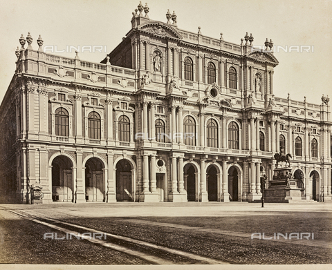 AVQ-A-000258-0006 - Facade of the Palace of the Princes of Carignano, Torino - Data dello scatto: 1870 ca. - Archivi Alinari, Firenze