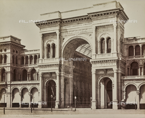 AVQ-A-000258-0014 - The Galleria Vittorio Emanuele II in Milan - Data dello scatto: 1880-1890 - Archivi Alinari, Firenze