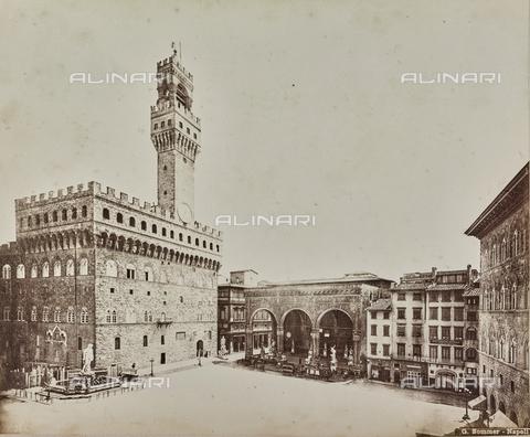 AVQ-A-000258-0019 - Piazza della Signoria in Florence - Data dello scatto: 1880-1890 - Archivi Alinari, Firenze
