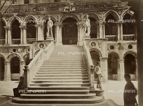 AVQ-A-000258-0036 - Scala dei Giganti (Staircase of the Giants), Doge's Palace, Venice - Data dello scatto: 1870 ca. - Archivi Alinari, Firenze
