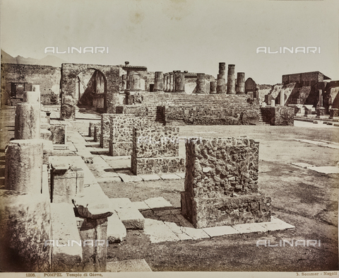 AVQ-A-000258-0041 - Archaeological area of Pompeii: remains of the Temple of Jupiter - Data dello scatto: 1880-1890 - Archivi Alinari, Firenze