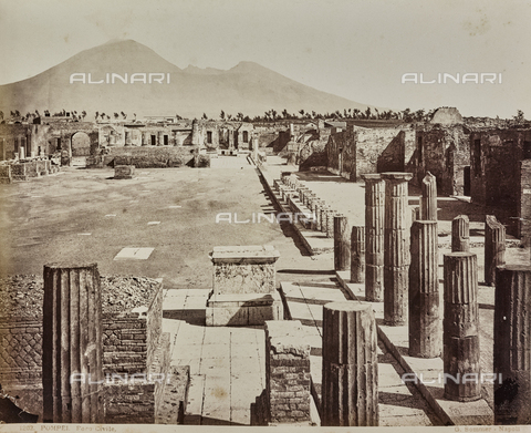 AVQ-A-000258-0043 - Archaeological Area of Pompeii: Civilian Forum - Data dello scatto: 1880-1890 - Archivi Alinari, Firenze