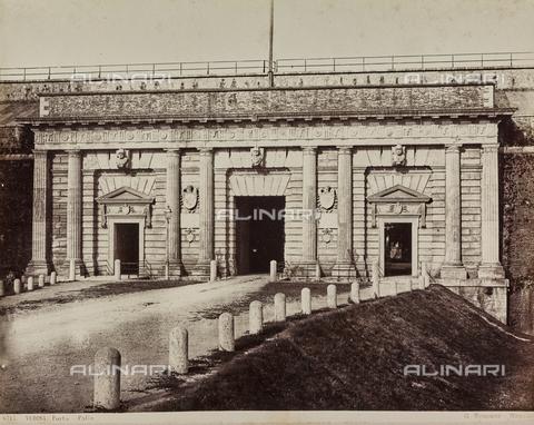 AVQ-A-000258-0048 - Porta Palio in Verona - Data dello scatto: 1880-1890 - Archivi Alinari, Firenze