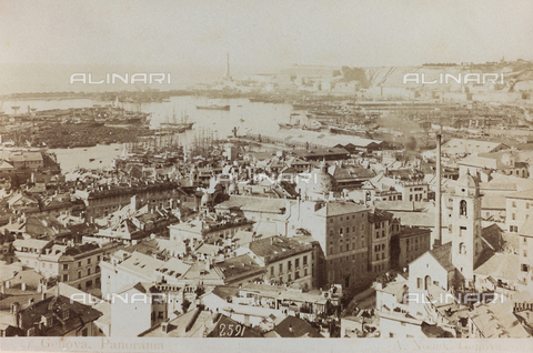AVQ-A-000284-0002 - Panoramic view of Genoa - Data dello scatto: 1870-1890 - Archivi Alinari, Firenze