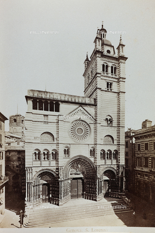 AVQ-A-000284-0007 - Façade of the Cathedral of San Lorenzo in Genoa - Data dello scatto: 1870-1890 - Archivi Alinari, Firenze
