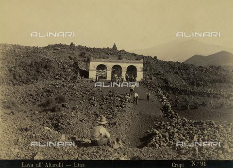 AVQ-A-000330-0013 - Lava at Alterelli, Etna, Catania - Data dello scatto: 1890 ca. - Archivi Alinari, Firenze