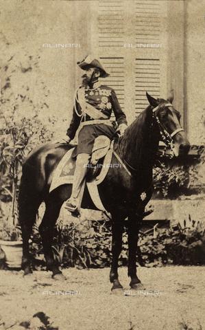 AVQ-A-000351-0036 - Ritratto a cavallo del generale Alfonso Lamarmora, Milano - Data dello scatto: 1865 ca. - Raccolte Museali Fratelli Alinari (RMFA), Firenze