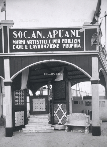 AVQ-A-000417-0067 - Seconda Fiera Campionaria di Tripoli, giugno 1928: esterno del padiglione della S.A. Apuane - Data dello scatto: 06/1928 - Archivi Alinari, Firenze