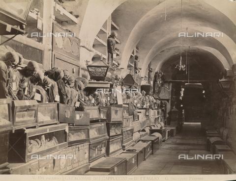 AVQ-A-000424-0004 - Catacombe dei Cappuccini, Napoli - Data dello scatto: 1880 ca. - Raccolte Museali Fratelli Alinari (RMFA), Firenze