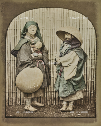 "AVQ-A-000433-0047 - ""Beggars Monks"", Japan - Data dello scatto: 1868 - 1877 - Archivi Alinari, Firenze"