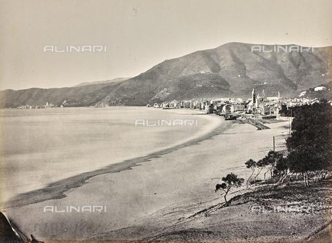 """AVQ-A-000439-0010 - Album """"La Corniche - Italie 1871-1876"""": view of Alassio - Data dello scatto: 1871-1876 - Archivi Alinari, Firenze"""